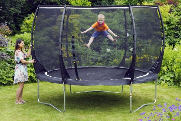 Get the best family trampoline for your garden